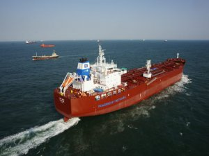 Green LNG Seen as a Way to Meet IMO Emissions Targets, Study Shows