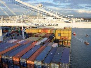 Port of Oakland: Dockworker Falls Off Ship to His Death