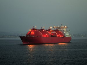 Natural Gas Glut Moves Offshore