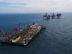 Giant Pioneering Spirit vessel put in charge of removal and disposal at Valhall