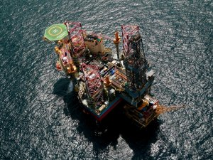 Shell and Aker BP cancel Maersk Drilling's rig contracts