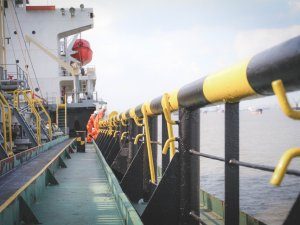 ITF: Two stranded bulkers with 25 seafarers on board just a drop in the sea