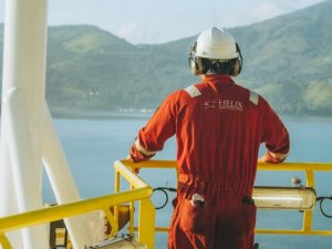 Helix Energy Solutions swings to quarterly loss