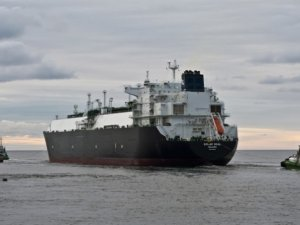 Business of Shipping: LNG Carriers Face Less Volatile Market Than Crude Tanker Peers
