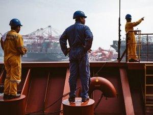 150,000 seafarers in need of crew change