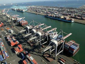 Port of Los Angeles Volumes Shrink as Coronavirus Saps Demand