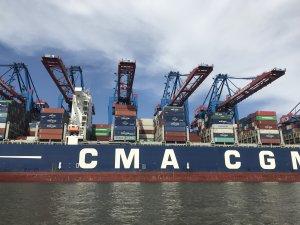 CMA CGM obtains € 1.05 billion loan