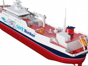 Evolutionary Bunker Ship Safely Delivers LNG, Reduces Vessel Contact