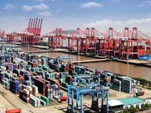 Container volume at major Chinese ports up 3.5% in late June