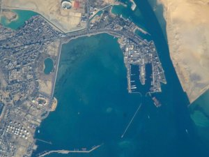 Suez Canal gives vehicle carrier toll rebate