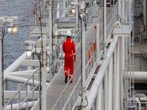 Chevron Buys Noble Energy