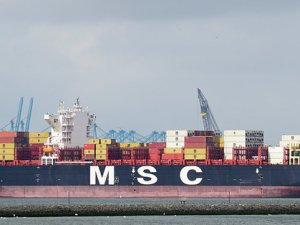 SAMSA: MSC boxship released from detention after container loss