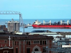 Canadian and US Ports on St. Lawrence Seaway Mixed Seasonal Results