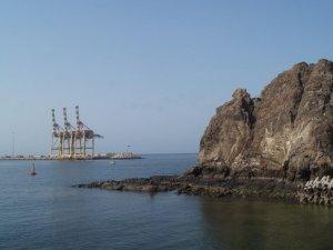 Oman bans open-loop scrubbers