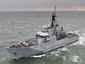 UK Home Office Calls for Royal Navy to Push Back Migrant Boats