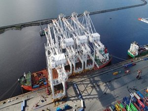 New Cranes Arrive From China to Expand Le Havre's Container Port