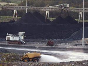 Seafarers Caught in Political Limbo as China Closes Coal Port