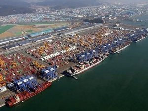 Seoul summons liners as red-hot transpacific market worries exporters