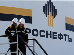 Russia Keeps Crude at Home to Tackle Domestic Fuel Price Surge