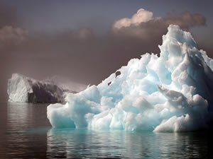Robots Penetrate Massive South Atlantic Iceberg