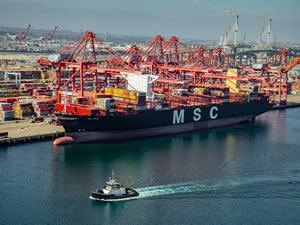 Port of Long Beach Incentivizes Carriers to Deploy 'Greenest' Ships