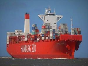 Boxship ploughs into Santos passenger jetty