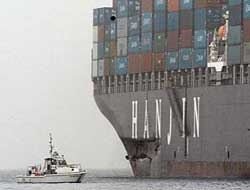 Boxship bashes bridge