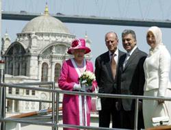 Queen Elizabeth visits in Istanbul