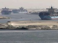 High wind affected Suez transit