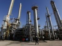 Russia hits record oil output in 2014