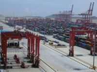 Shanghai port stands as the world's busiest 'crown' container port for 2014