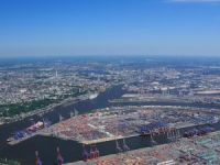 Port of Hamburg Launches Eco Straddle Carriers