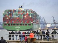 Hamburg Port handles 19,100 TEU ship for the first time