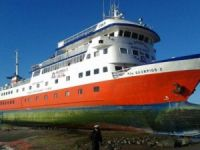Chilean Navy Saves 120 from Grounded Cruise Ship
