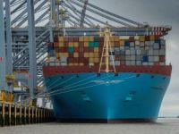 Munkebo Maersk Becomes Biggest Ship to Sail on the Thames