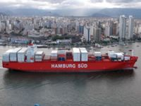 5,900 TEU container christened