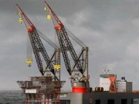 Sembcorp Signs $1 Billion Contract for World's Largest Semi-Submersible Crane Vessel