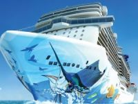 VIDEO: Norwegian Escape Floated Out