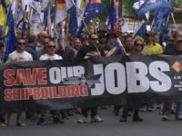 Hundreds join union's shipbuilding march through Adelaide