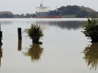 Panama Canal Draft Restrictions Hamper Waterway's Big Ship Vision