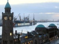 Hamburg and Amsterdam can take on London's shipping role