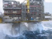 Storm forces BP to start evacuating staff from Gulf of Mexico rigs