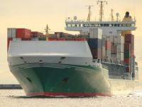 Container ship Heinrich Ehler damaged dolphin at Kiel-Holtenau Lock