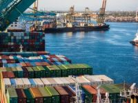 Port of Los Angeles Stays Red Hot