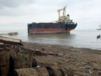 India Disposes of Alang Hazardous Waste from Shipbreaking