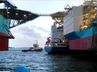 Heavy load carrier Rotra Vente allided with two Maersk drilling rigs at Port of Esbjerg