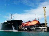 Golar LNG Plunges into Loss