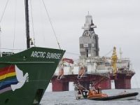 Norway stops Greenpeace protest at a well drilled by Statoil in Barents Sea