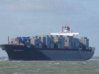 Diana Containerships fixes post panamax boxship to Wan Hai