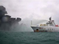 Explosion delays efforts to fight Iranian tanker fire